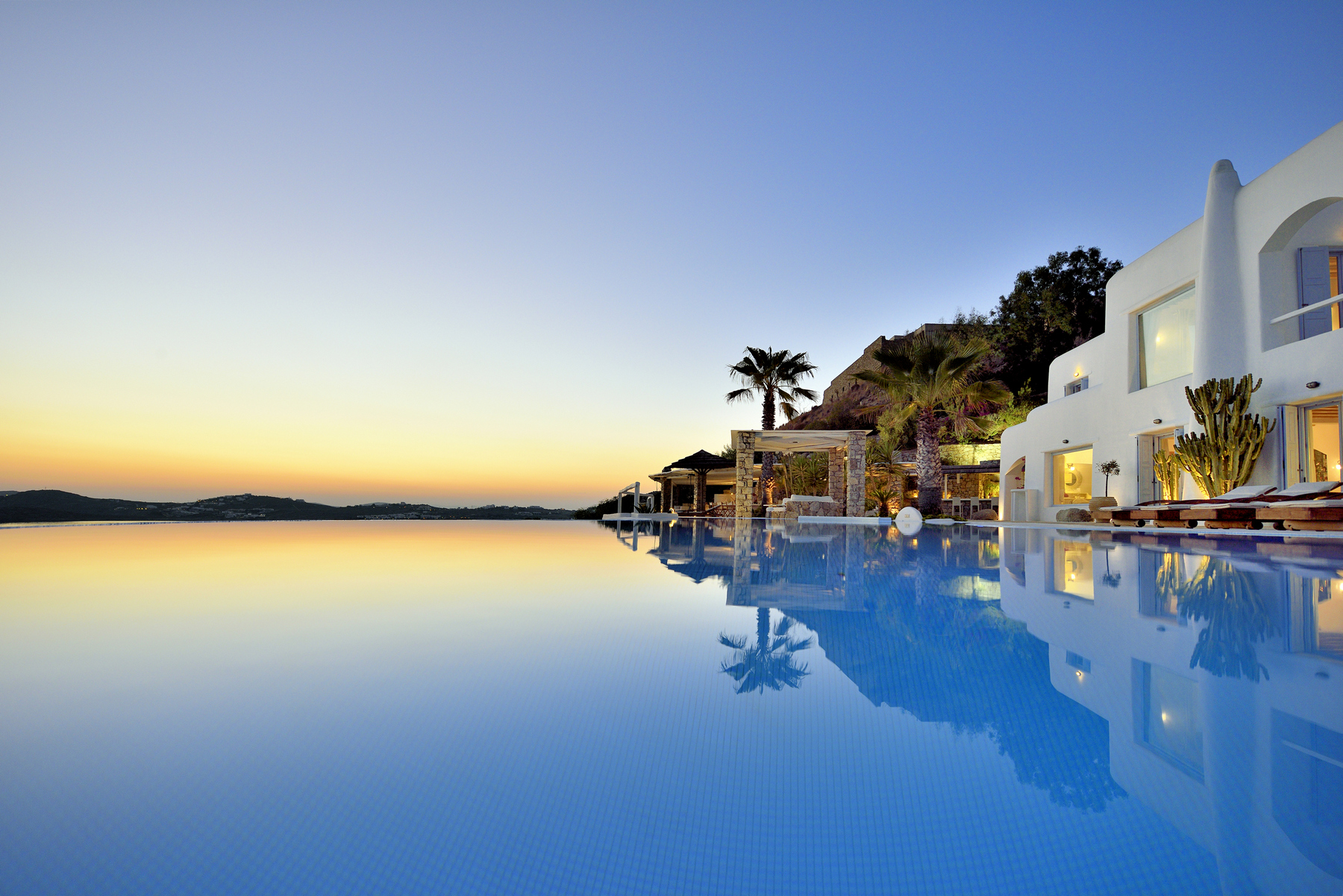 Experience Greece with Abundance of Luxury