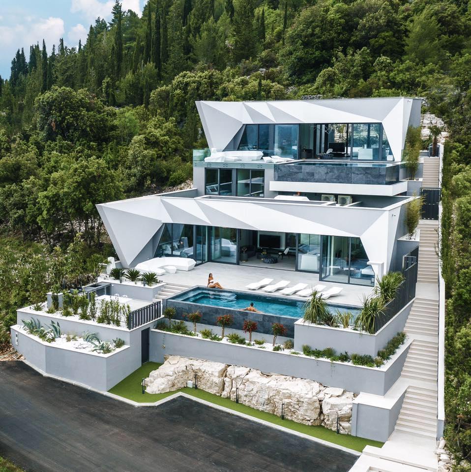 Diamond Villa - Luxury Lifestyle Awards